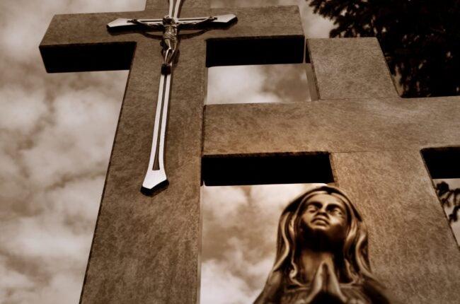 Ekshumacje na iławskich cmentarzach.