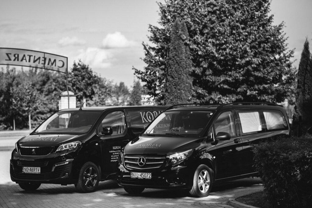 Karawany do obsługi pogrzebów i transportu osób zmarłych firmy KORIM Iława