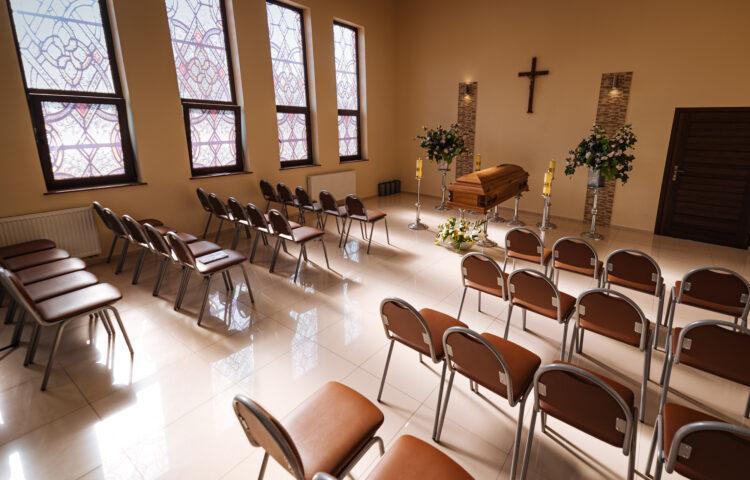 """Kaplica przedpogrzebowa wykorzystywana przy realizacjiu usługi pogrzebowej przez zakład """"KORIM"""" z Iławy."""