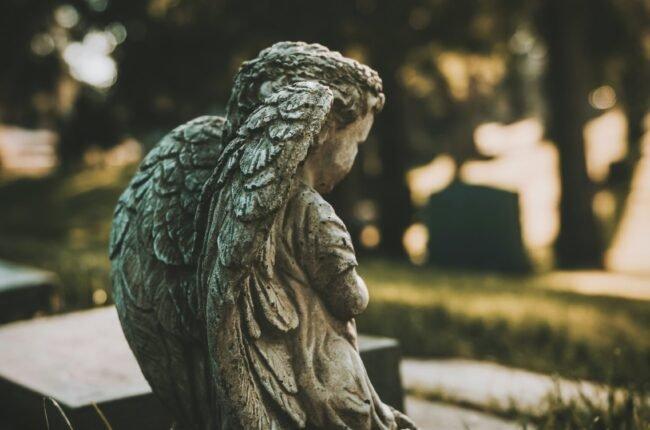 Usługa ekshumacji zwłok i szczątków ludzkich w firmie KORIM wykonywana jest zawsze z poszanowaniem i troską.